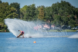 Brian Detrick nearly falls around 3 ball at 41off before recovering to get a full 3@41off in the finals at the 2014 US Open of Water Skiing. Photo: Tiare Miranda Photography